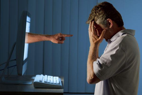 Los peligros de las redes sociales para ninos bullying