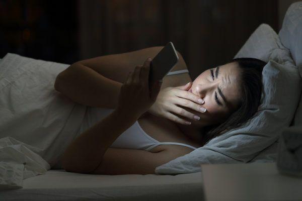 Los peligros de las redes sociales para ninos insomnio
