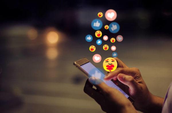 Como actualizar emojis de mi telefono para iphone android de forma facil