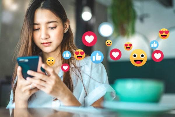 Como puedo actualizar emojis de mi telefono para iphone android de forma facil