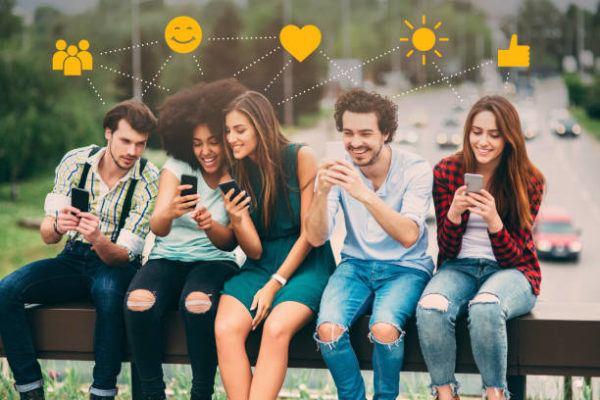 Como puedo actualizar los emojis de mi telefono iphone android forma facil