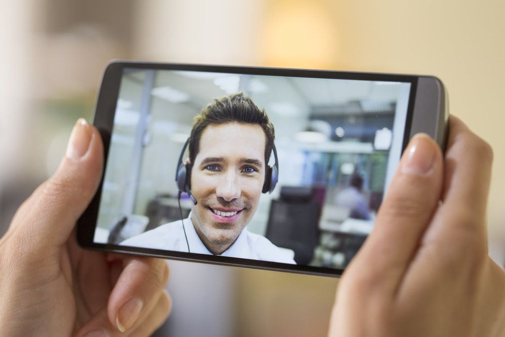 descargar-skype-para-moviles-android-gratis-videollamada-chico
