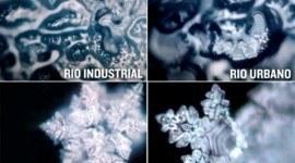 La cristalización del agua varía según la contaminación