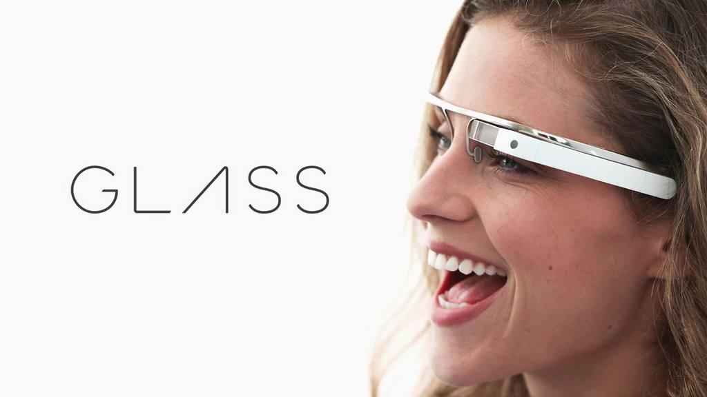 las-mejores-alternativas-para-google-glass-chica-glass