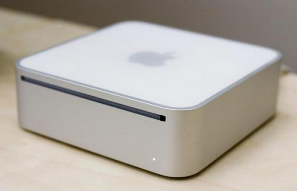 la-historia-de-apple-en-fotografias-imac-mini-2005