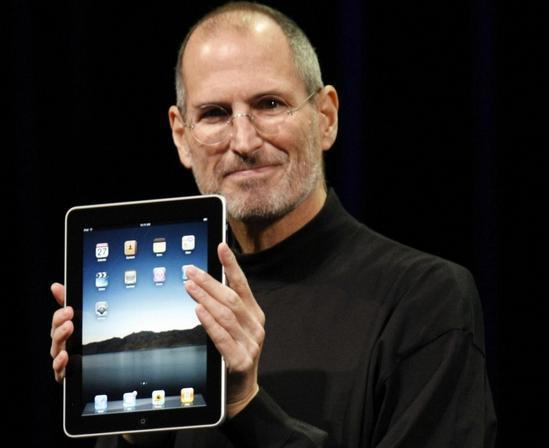 la-historia-de-apple-en-fotografias-ipad-2010