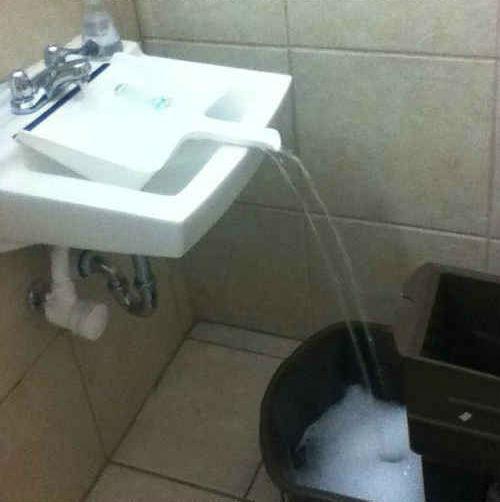 10-soluciones-inventos-cotidianas-que-cambiaran-tu-vida-llenar-cubo-agua