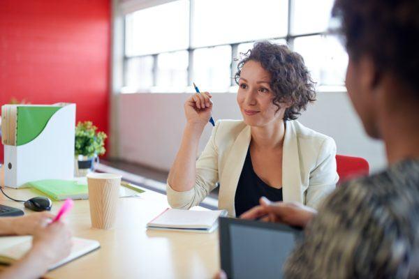 Peligros de las redes sociales para jovenes entrevista de trabajo
