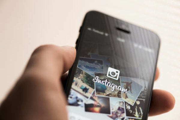 Como se cambia tipografia instagram